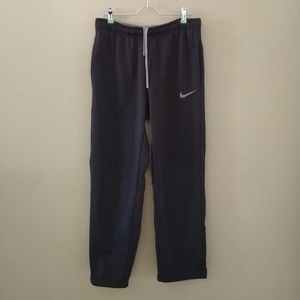 NIKE therma fit sweatpants pockets active lounge